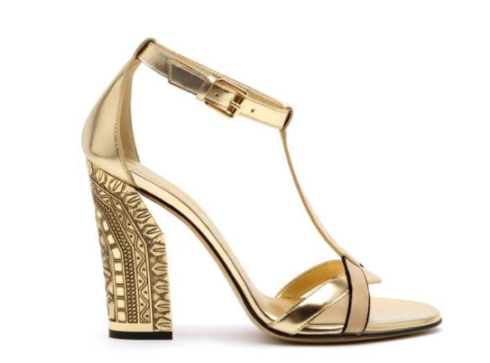 9b4bd8791665 Casadei, пожалуй, самый эпатажный в списке лучших брендов женской обуви.  Бахрома, умопомрачительные геометрические каблуки и шпильки, стразы,  пайетки, ...